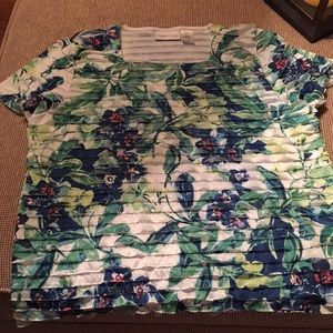 Alfred Dunner pullover blouse in a pretty print